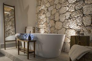 habitación con bañera